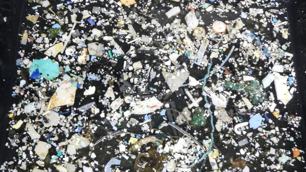 """Тихоокеанский """"мусороворот"""" оказался в 16 раз больше, чем считалось"""