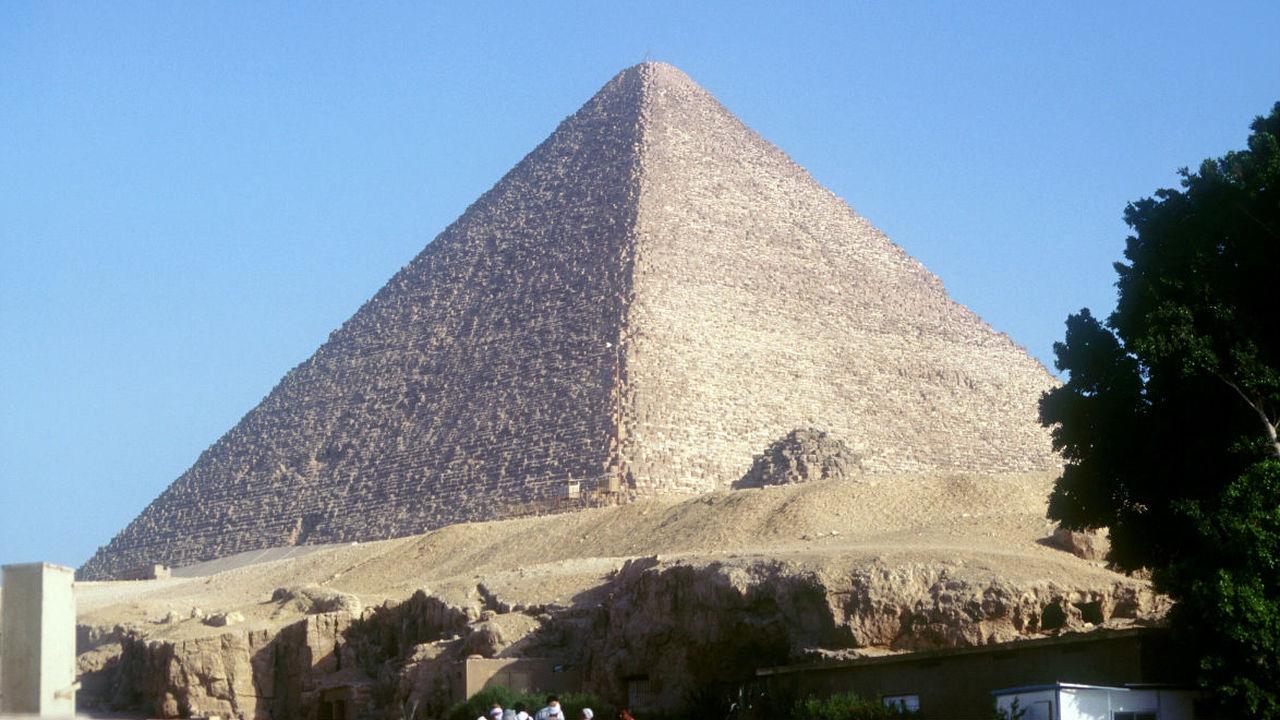 Пирамида Хеопса может накапливать энергию электромагнитных волн