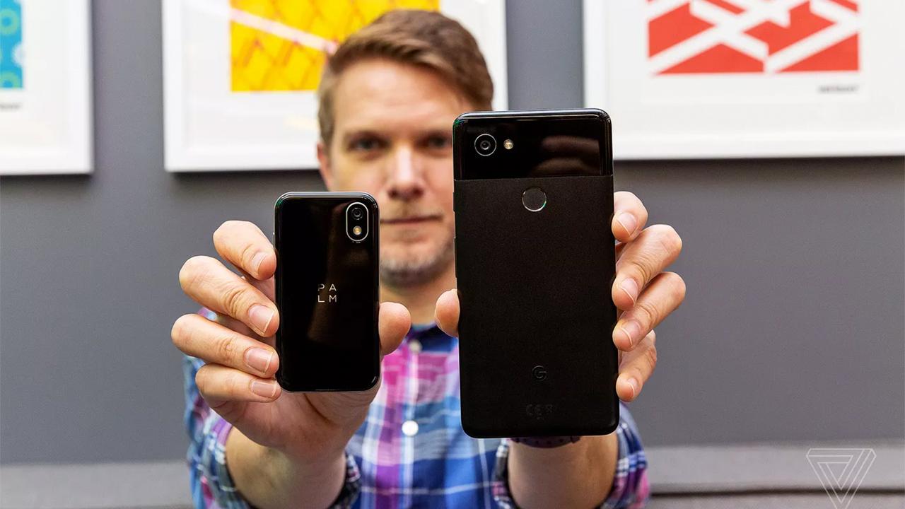 Palm вернулась нарынок с3-х дюймовым смартфоном-компаньоном