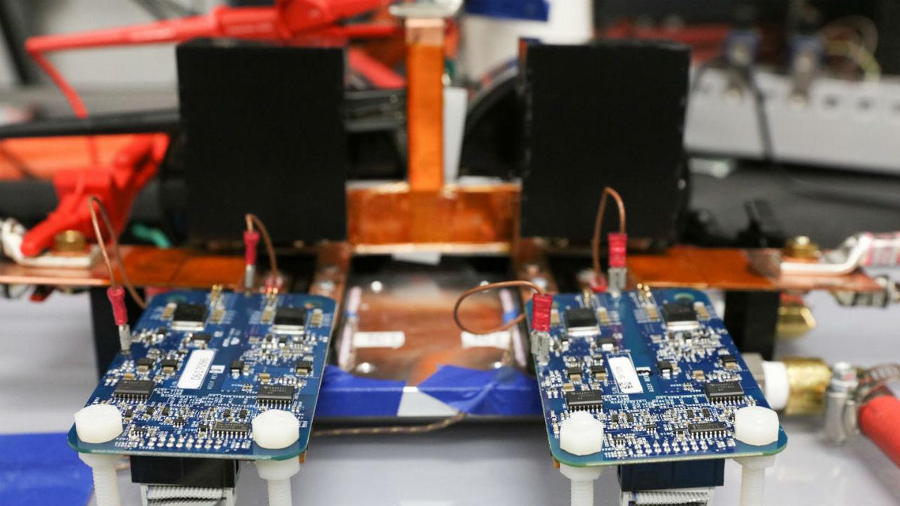 120 киловатт: представлена рекордная беспроводная система зарядки электромобилей