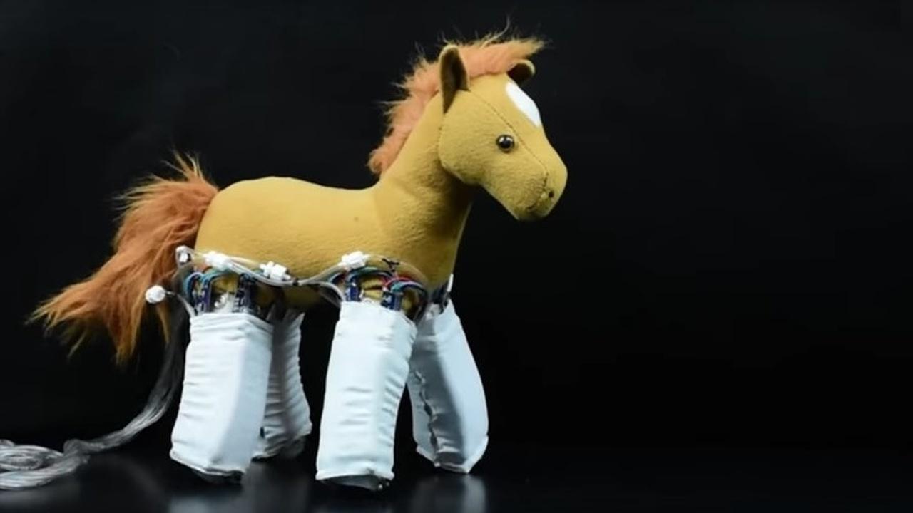 Ожившие игрушки: инновационная кожа превращает обычные предметы в роботов