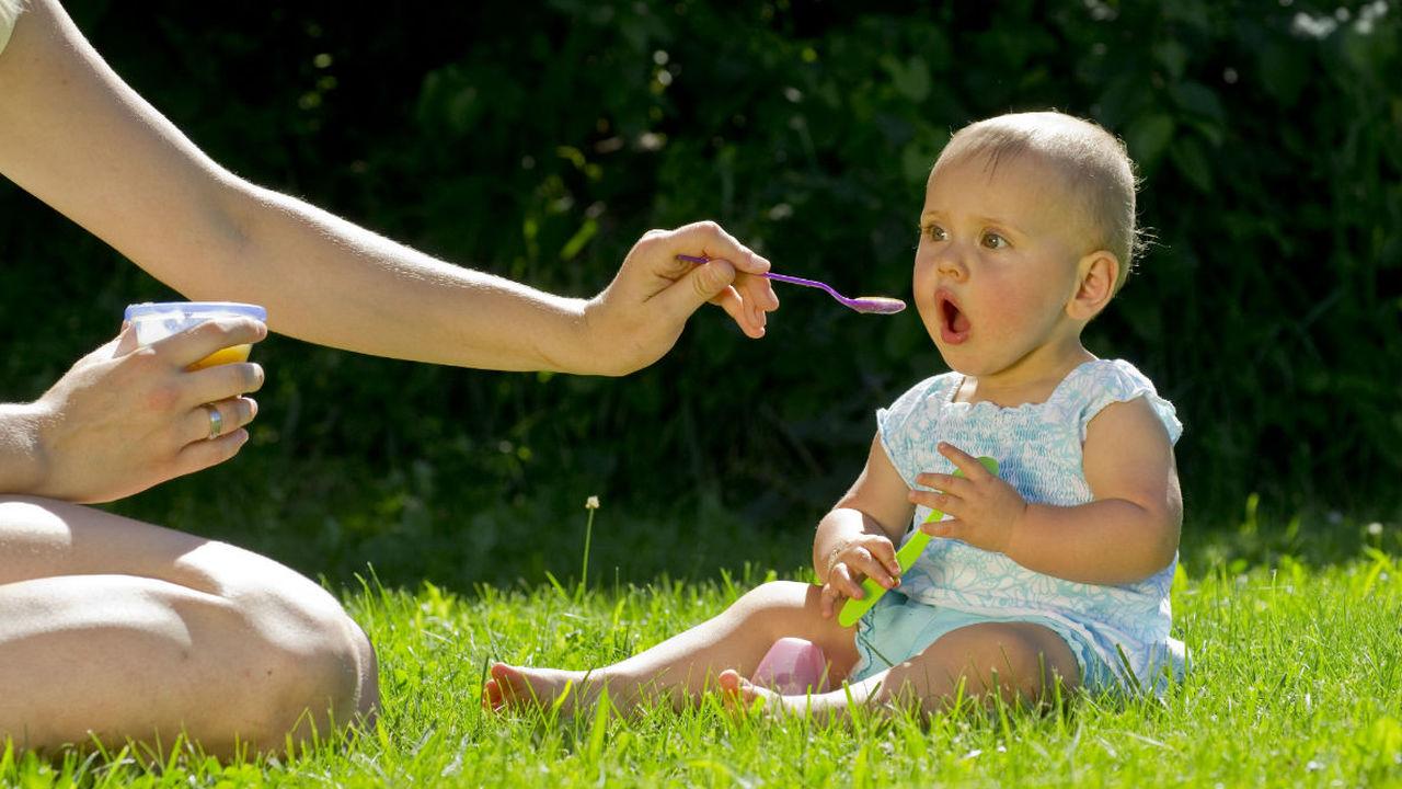 Кормление соевой смесью во младенчестве приводит к появлению сильной менструальной боли