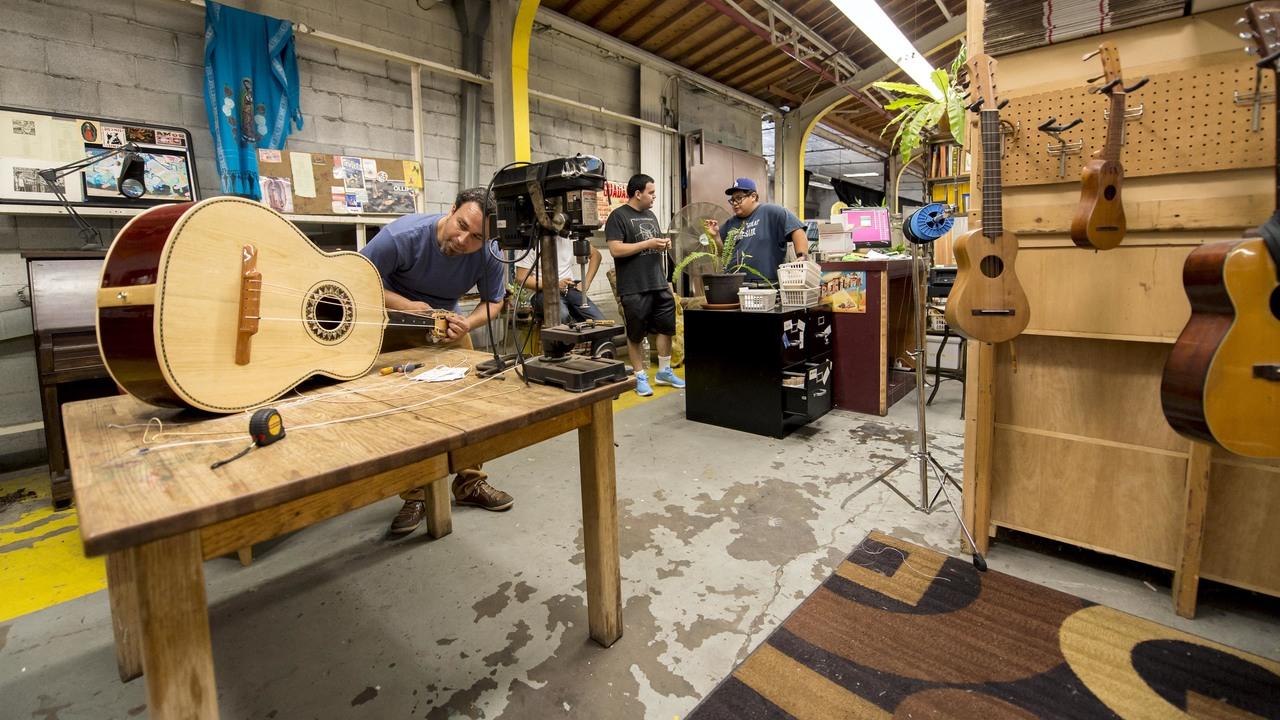 Тип древесины мало влияет на качество звука гитары