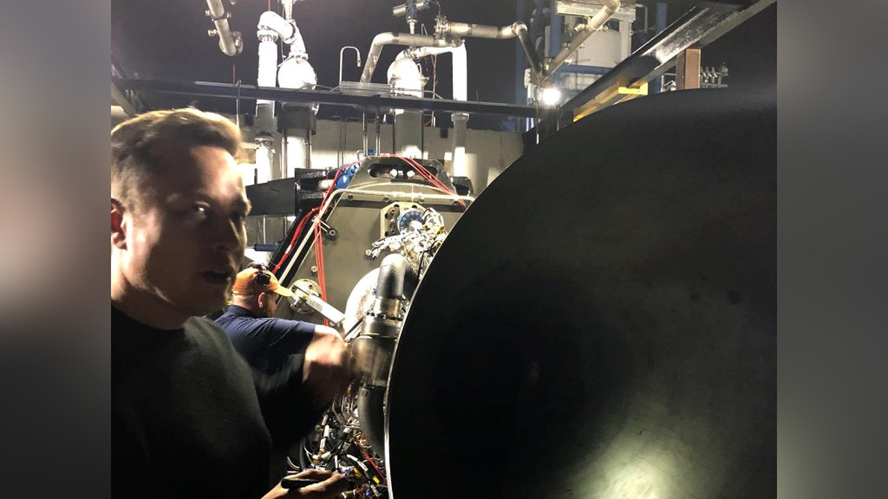 Илон Маск показал двигатель ракеты Starship в действии