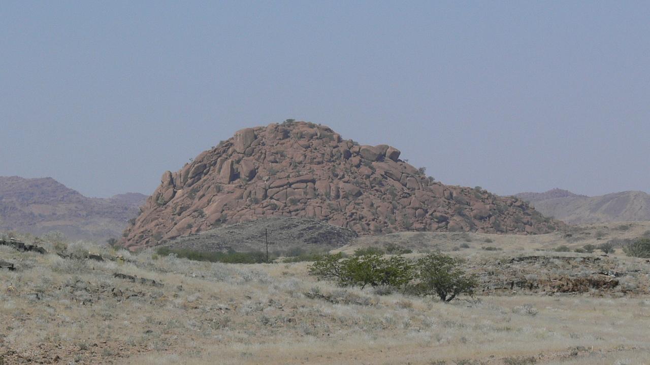 В африканской пустыне неожиданно обнаружены следы древнего ледника