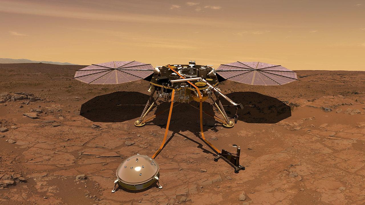 """Зонд """"Инсайт"""" начал передавать ежедневные метеосводки с Марса"""