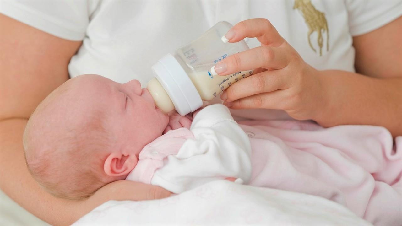 В женском грудном молоке найдены дрожжи и другие грибы
