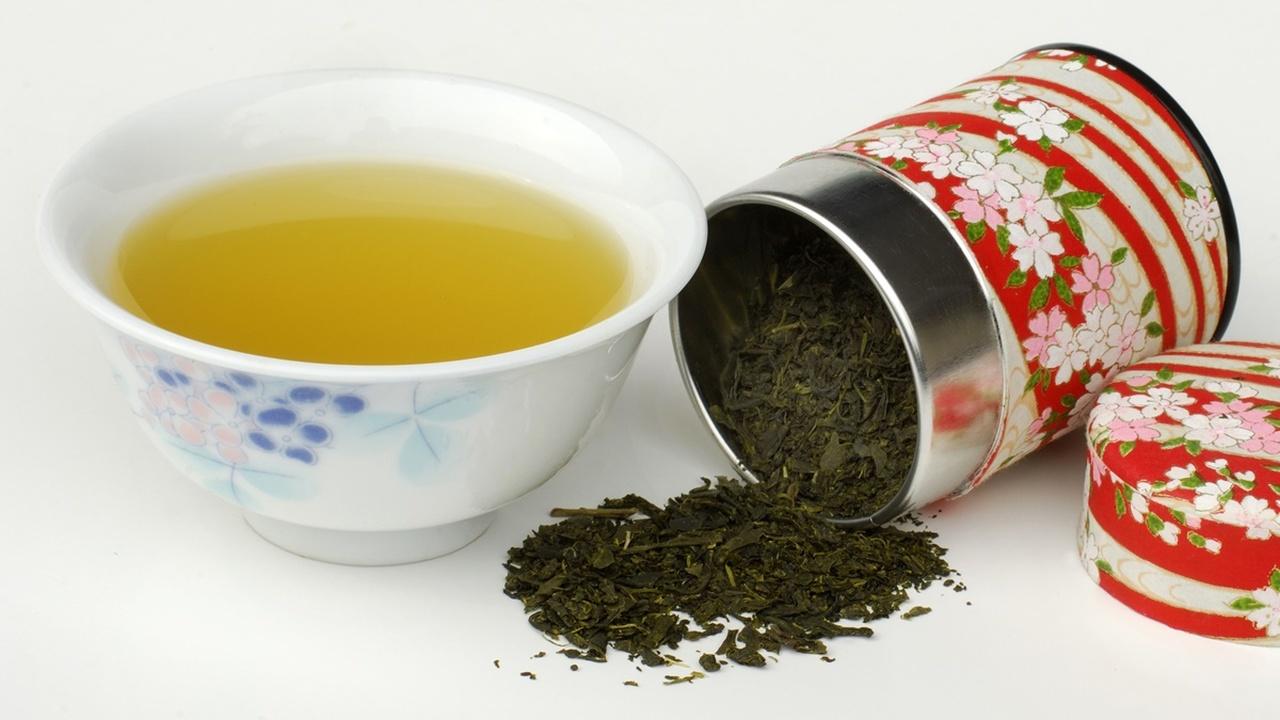 """Зелёный чай снижает риск ожирения и """"поправляет здоровье"""" кишечника"""