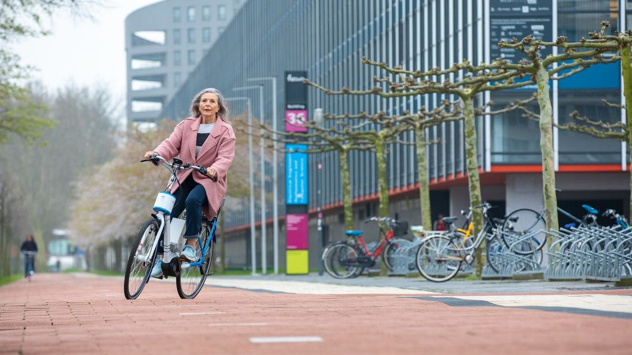 Велосипед-неваляшка поможет пожилым людям ездить безопасно