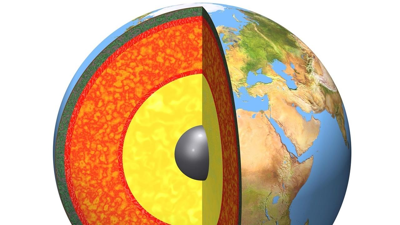 Не ядром единым: учёные рассказали о необычном источнике, который подпитывает магнитное поле Земли