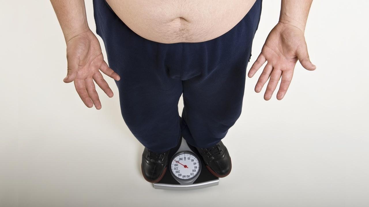 """Голодая и переедая, люди запускают """"метаболический тормоз"""", который потом мешает им похудеть"""
