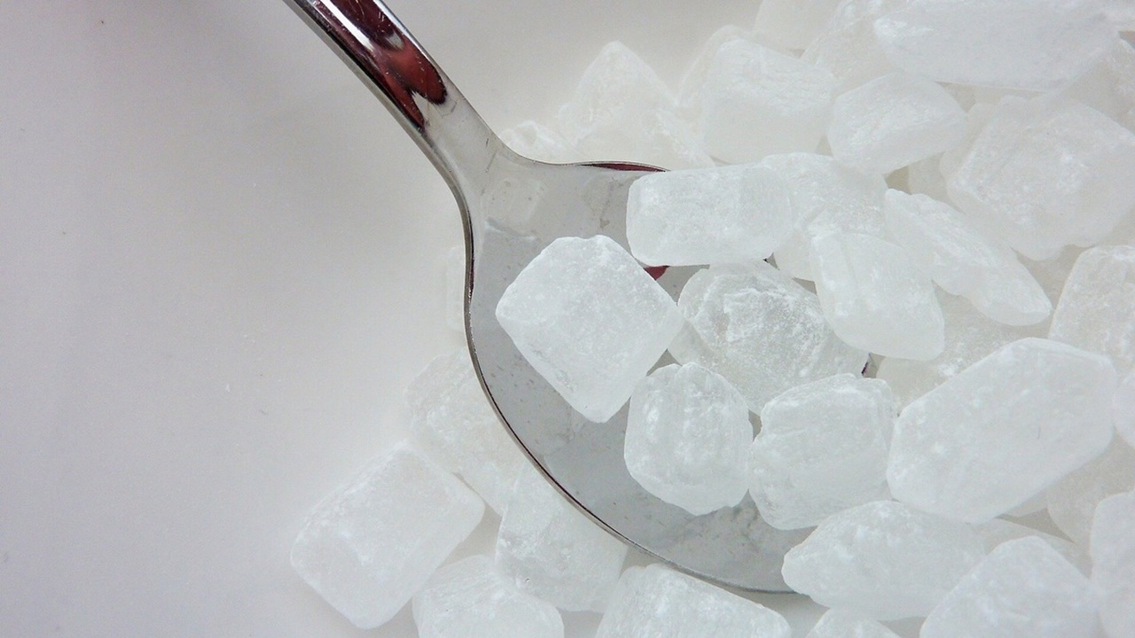 Безопасность самого популярного в мире заменителя сахара поставлена под сомнение