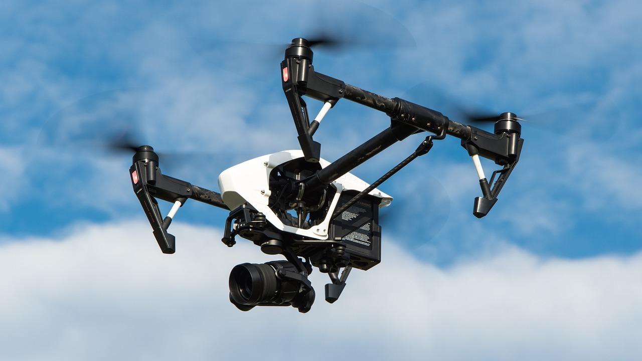 Новый источник питания поможет дронам находиться в воздухе несколько дней
