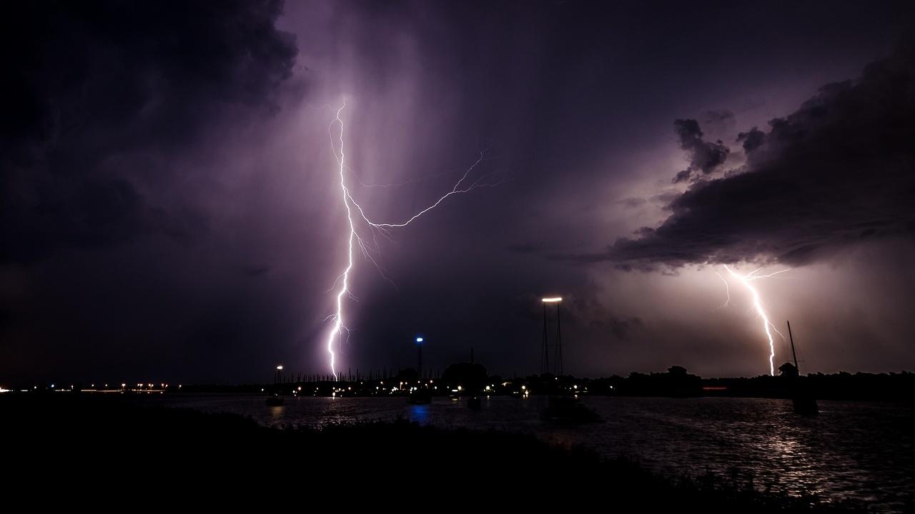 Искусственный интеллект научили прогнозировать удары молний