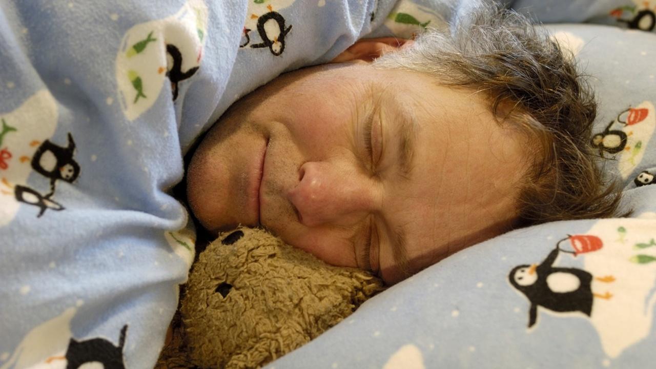 У мужчины развилось опасное заболевание после смены постельных принадлежностей