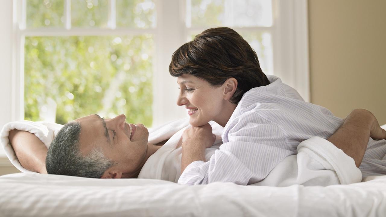 Возраст наступления менопаузы у женщин зависит от их сексуальной активности