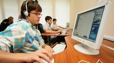 До конца года к интернету подключат все российские школы