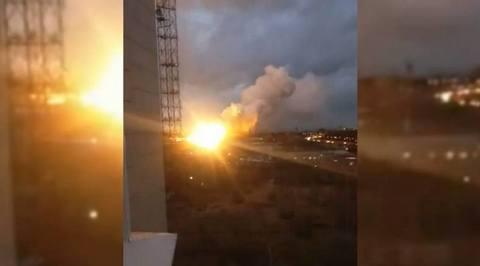 Мощный взрыв прогремел на охваченном пламенем авиазаводе в Балашихе