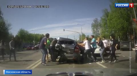 Над виновницей пьяного ДТП в Домодедове чуть не устроили самосуд