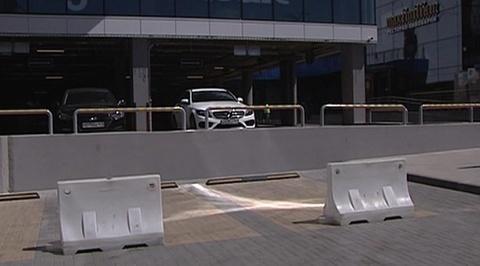 В Ростове-на-Дону автомобиль расплавился на солнце