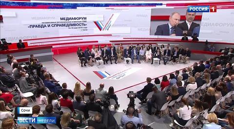 Разговор без ограничений: президент пообщался с журналистами и общественниками