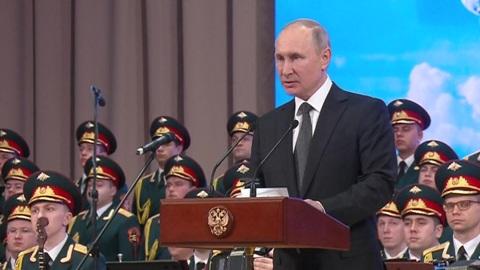 Путин: псковские десантники показали, на что способен русский солдат