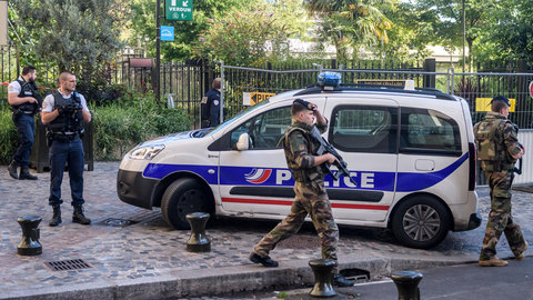 СМИ: в Париже задержан россиянин, устроивший стрельбу