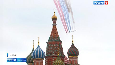 Россия отметила День Победы авиапарадами
