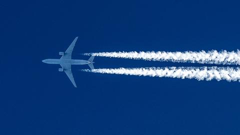 Россия возобновляет авиасообщение еще с рядом стран