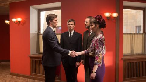 """Дипломатия и запретная страсть: сегодня стартует новый сезон сериала """"Оптимисты"""""""