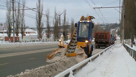 """Вести-Калуга"". Ежедневно с улиц Калуги вывозят по 2000 кубометров снега"