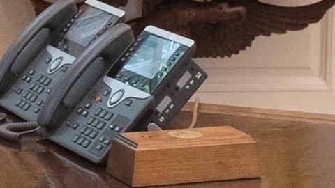 """Новости на """"России 24"""". Первым делом Байден избавился от """"кнопки для колы"""""""
