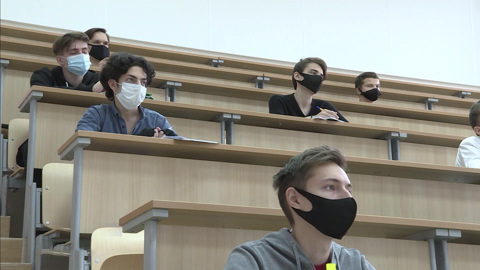 Вести в 20:00. Удаленка, общежития и рабочие места: о чем говорил Путин со студентами