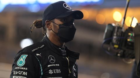 Mercedes назвал причины наезда Хэмилтона на механика