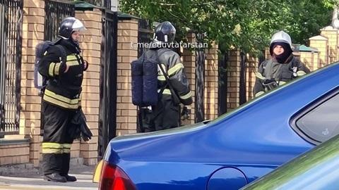 Учеников школы в Казани эвакуировали после сообщения о бомбе