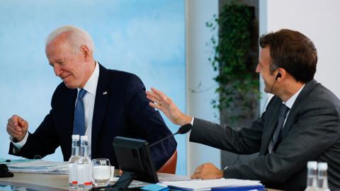 Саммит НАТО: ценности военного альянса, новые члены и смех Байдена