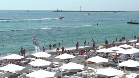 На одном из пляжей Сочи спасение утопающих стало платным