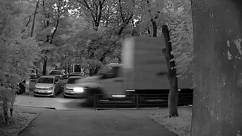 Пьяный водитель разбил шесть машин в Подольске на служебном фургоне