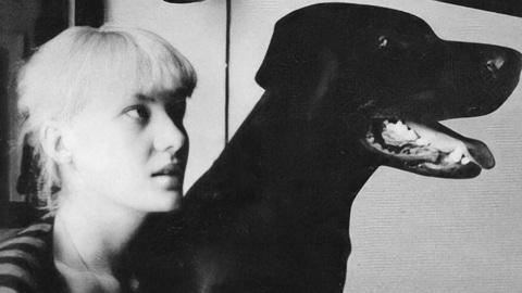 Дама с собачкой: Рената Литвинова показала, как выглядела в студенческие годы