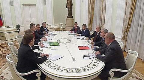 Оппозиция представила Путину список политзаключенных