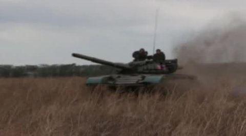 Донецк по-прежнему под огнем