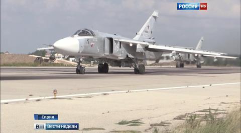 Су-24 в Сирии: прилетают тихо, бьют точно