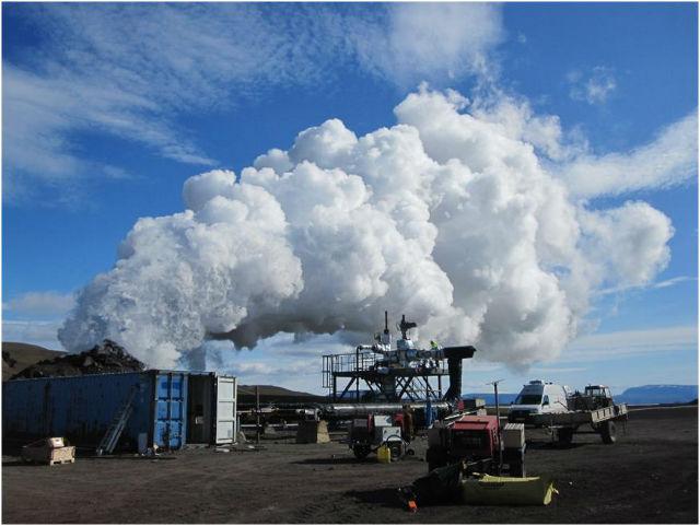 Первое испытание геотермальной скважины IDDP-1