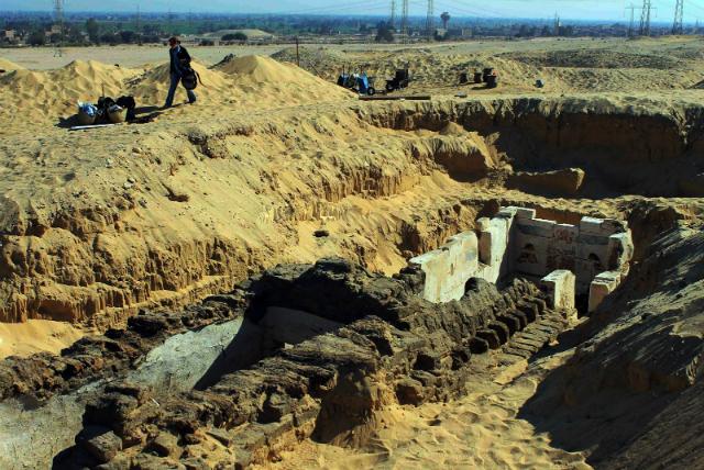 Место раскопок на территории древнего города Абидос