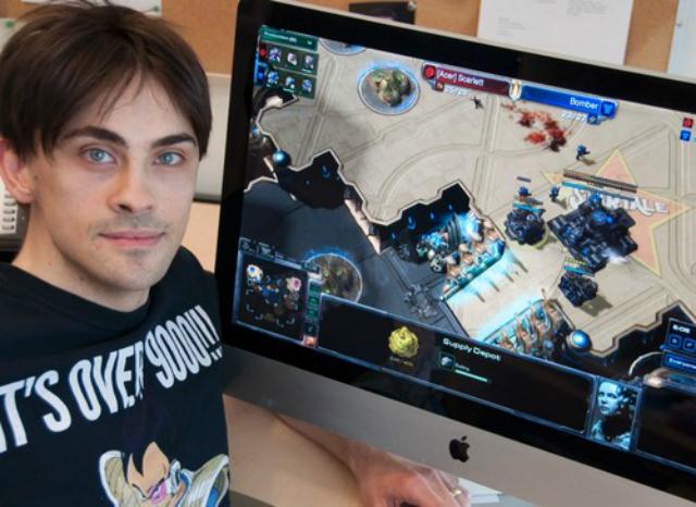 Аспирант Джо Томпсон изучал скорость реакции и познавательные возможности геймеров