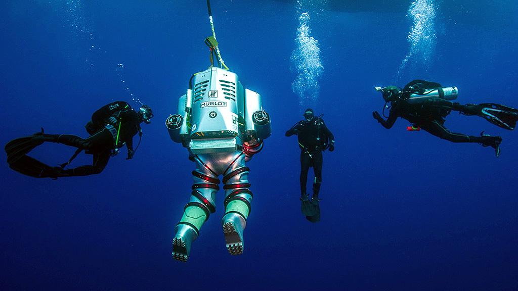 Подводные раскопки на месте крушения Антикитерского корабля с использованием снаряжения Exosuit. Фото: Brett Seymour, EUA/ARGO
