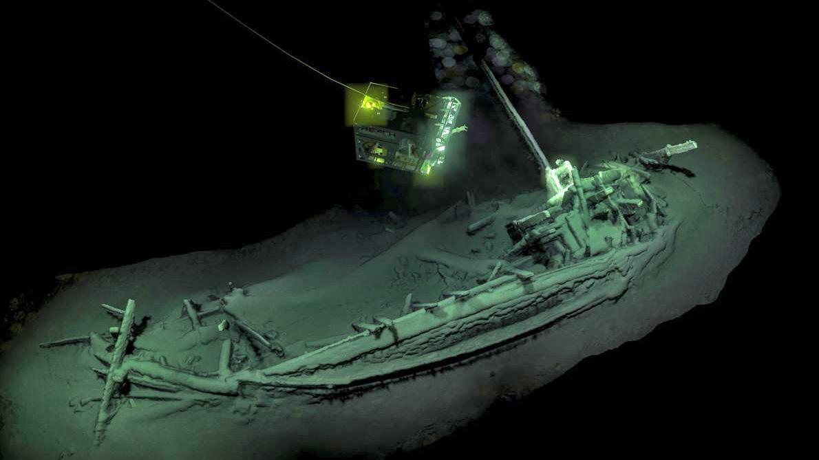 Фотография корабля на глубине 2009 метров. Фото: The Black Sea MAP