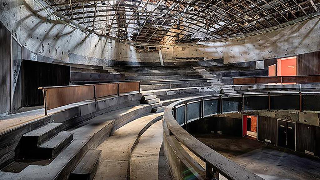 Зал театра Крессони в Комо. Фото: Theo De Rycke / Facebook