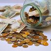 Социологи утверждают, что четверть россиян откладывают деньги с каждой зарплаты на чёрный день