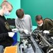 Российские школьники стали чаще выбирать техникумы и колледжи, а не университеты